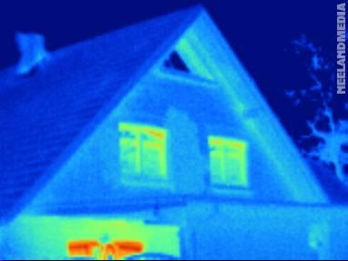 Wärmebild eines Hausgiebels